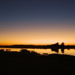 Abendstimmung an der Thamalakane Lodge by Kalahari Calling
