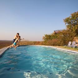 Pool an der Etosha Safari Lodge