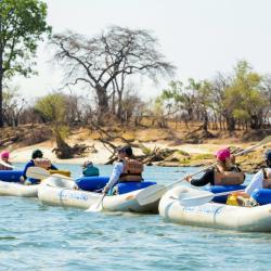 Kanufahrt auf dem Zambezi